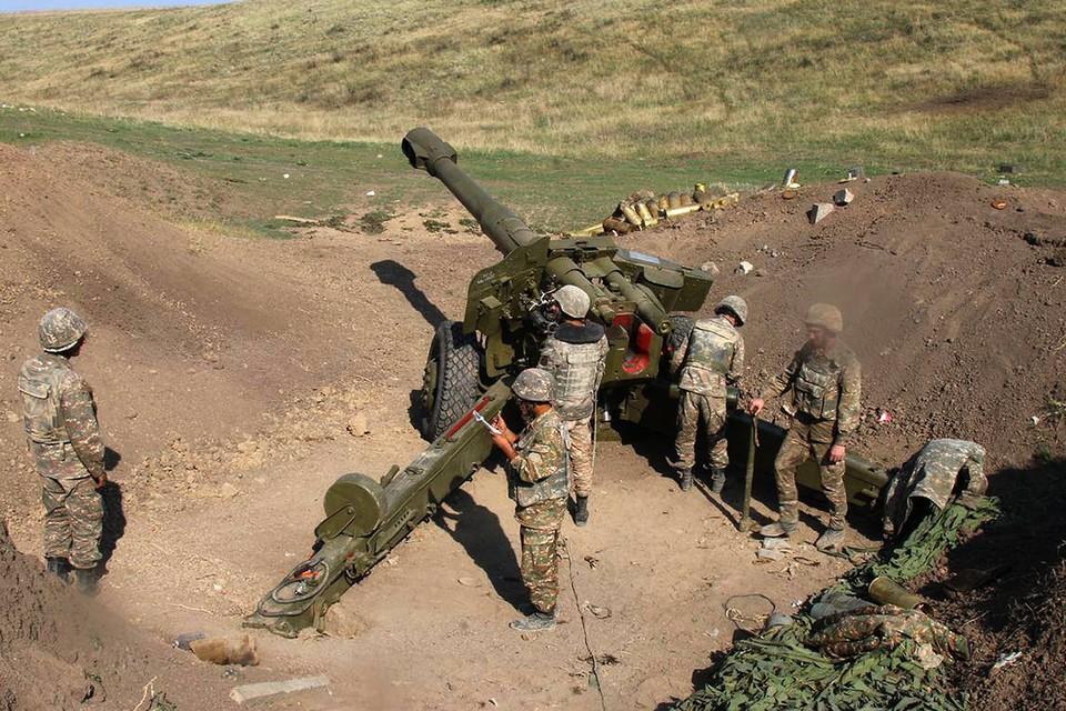 Артиллеристы армии Нагорного Карабаха.