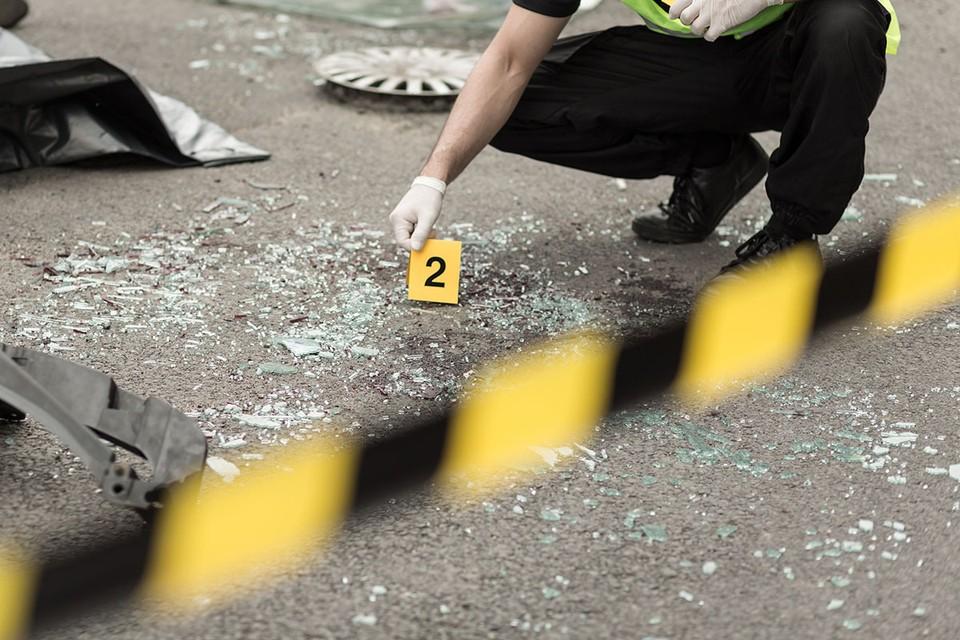 Полицейские разбираются в обстоятельствах смертельной аварии, которая произошла вечером в субботу, 3 октября, в Ленинском городском округе.