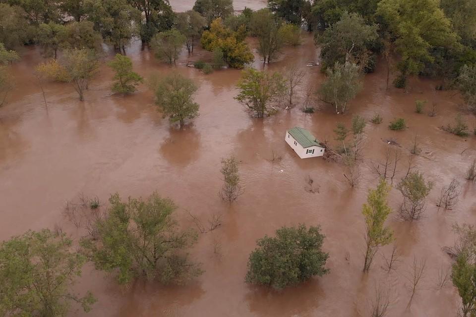 На Францию и Италию в конце прошлой недели обрушились проливные дожди, не утихающие до сих пор.