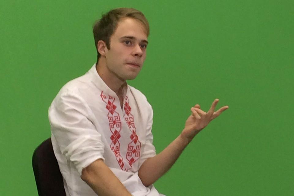 Белорусский артист Гоша Петренко, известный по фильму «Авантюры Прантиша Вырвича», пробуется на роль одного из «Песняров» - Анатолия Кашепарова.