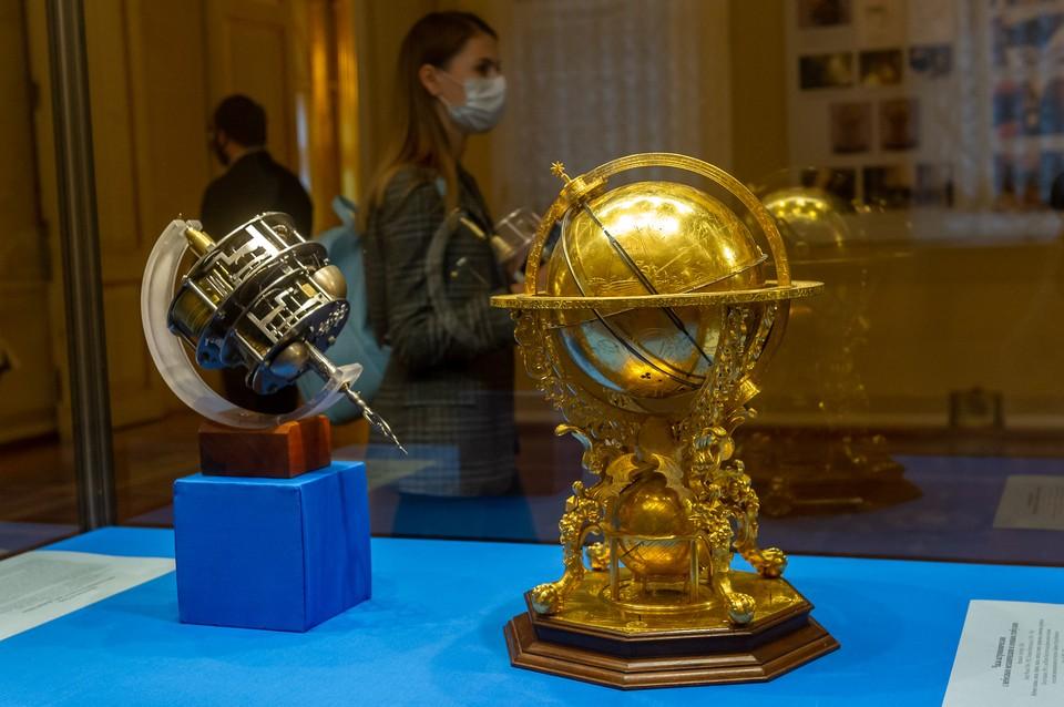 Часы были созданы по заказу Римского императора Рудольфа II