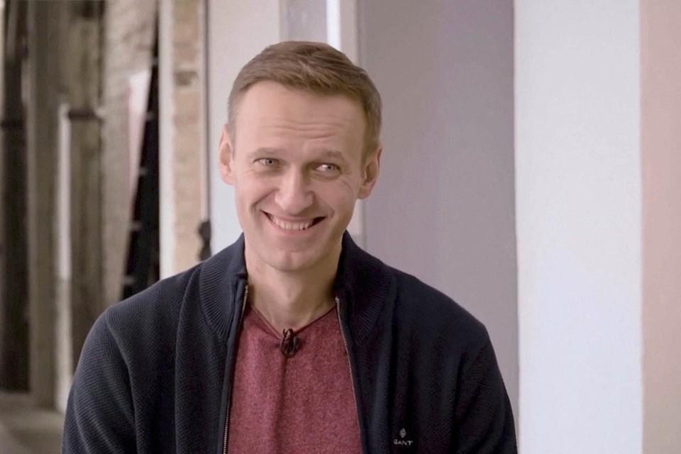 Похоже, что ранее судимому блогеру Алексею Навальному стоит хорошенько отдохнуть перед тем, как возвращаться в Россию.