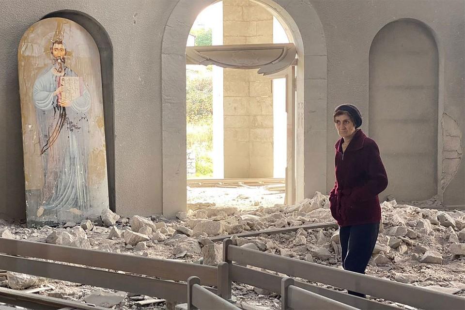 Азербайджан второй раз за день нанес удар по храму в Шуши.