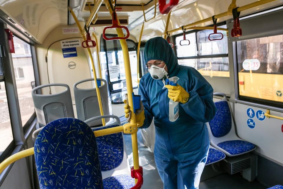 Как защититься от коронавируса в общественном транспорте, рассказал эксперт
