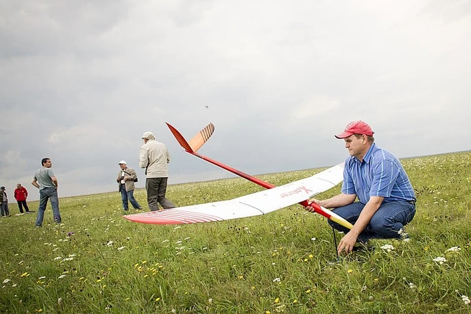 На земле и в небесах: как заняться авиамодельным спортом в Иркутске