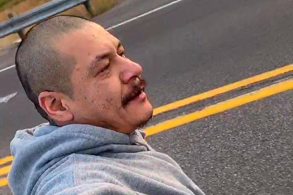 Натан Аподака стал известным в ТикТок после видео на скейтборде