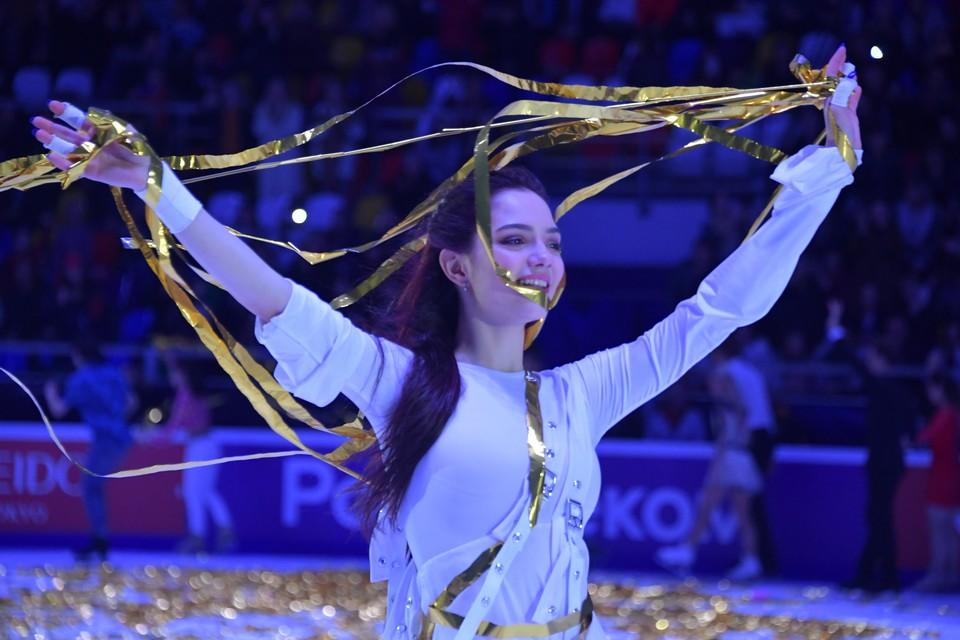 Евгения Медведева после перехода к Этери Тутберидзе пока что не каталась на соревнованиях.