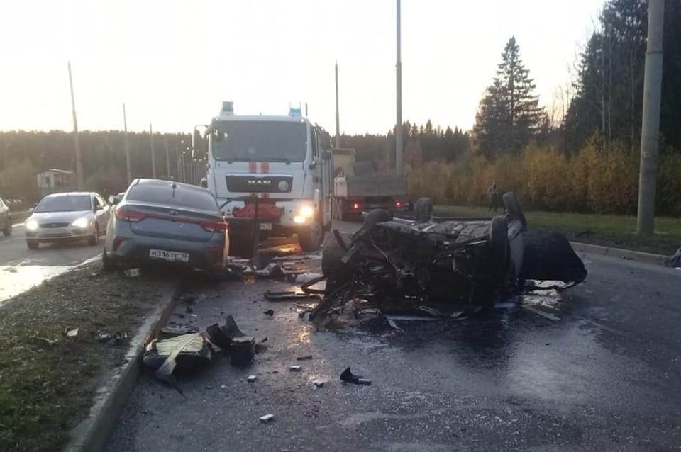 Три человека погибли в массовом ДТП в Карелии. Фото: vk.com/gibddkareliya
