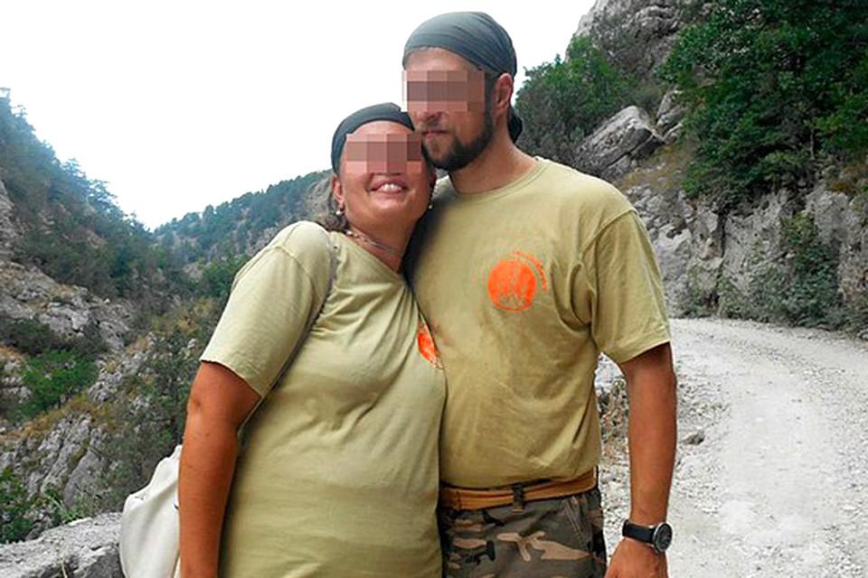 Впервые в психиатрическую клинику Марина (на фото с мужем) попала, в 2001-м году, когда старшему сыну не было еще и месяца.