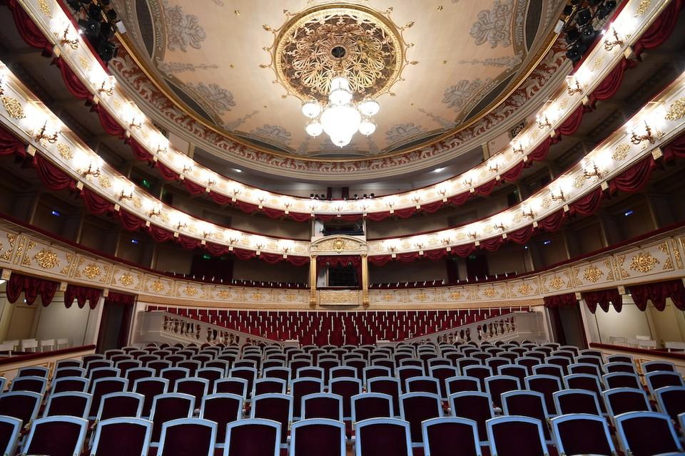 Билеты в театры и в музеи теперь можно будет купить только онлайн.