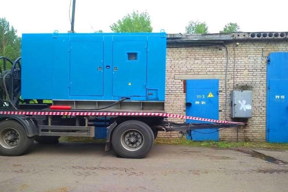 Такие генераторные установки находятся в круглосуточной готовности. Фото Россети Сибирь.