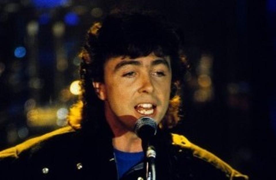 Умер Тони Льюис, вокалист британской рок-группы The Outfield