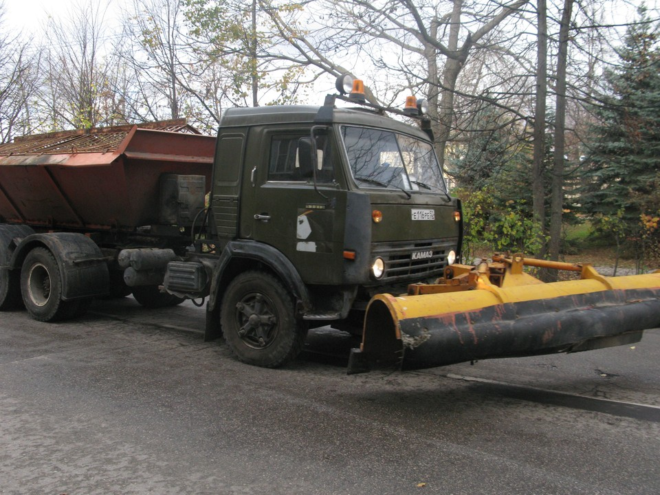 Коммунальщики представили 30 единиц спецтехники и уборочный инвентарь. Фото: Администрация Балахнинского округа