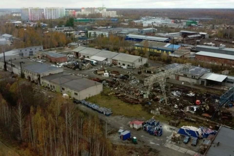Жители микрорайона «Озерки» неоднократно жаловались на выбросы с соседнего предприятия. Фото: admkirov.ru