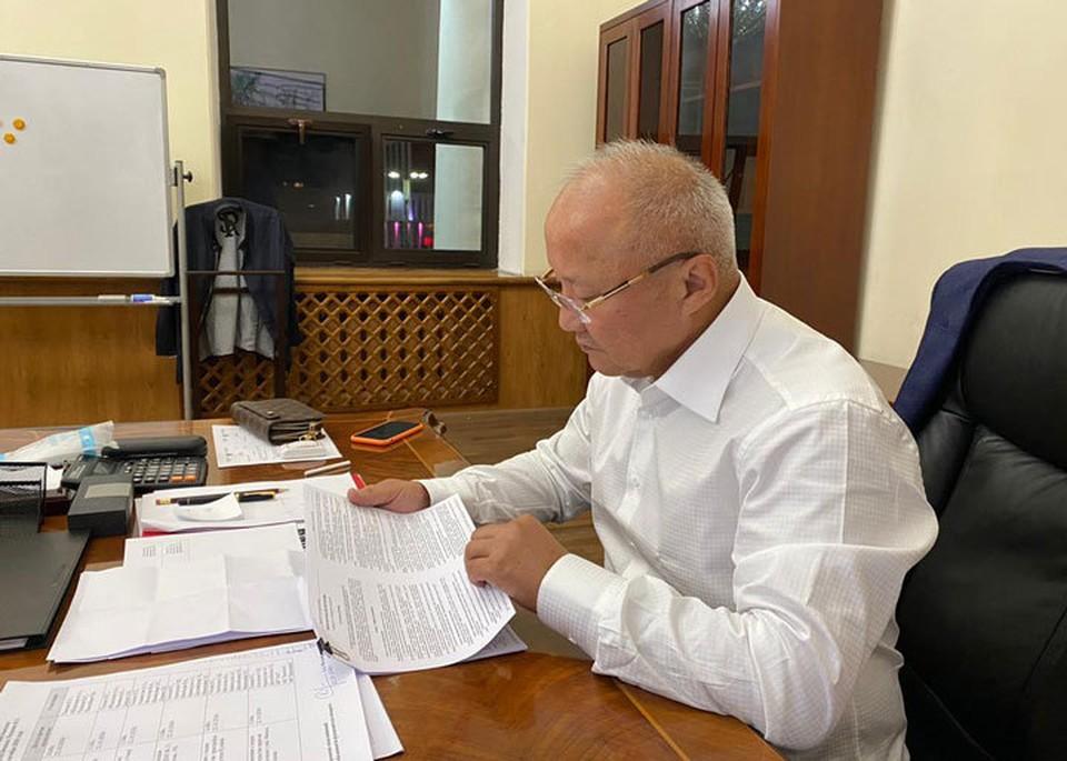 Нариман Тюлеев покинул должность и.о. мэра Бишкека.