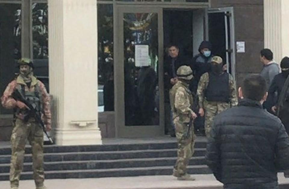 Задержание Кольбаева провели в одном из спортклубов Бишкека.