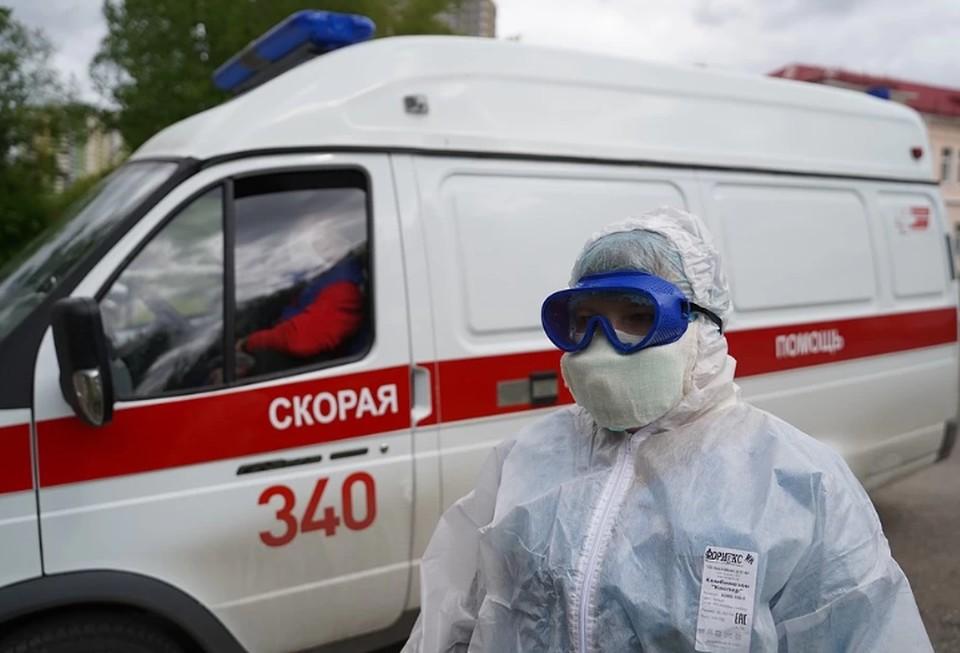Выплаты медикам, работающими с больными коронавирусом, могут продлить на 2021 год