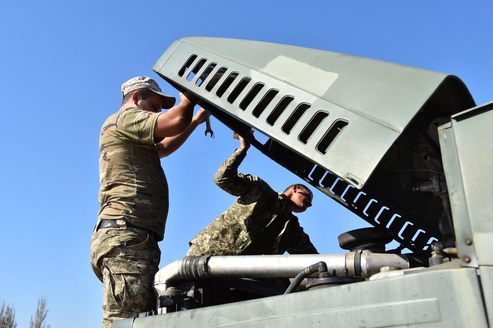В украинской армии продолжается воровство вооружения. Фото: штаб ООС