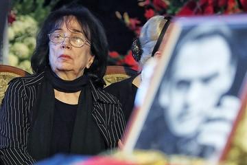 У Марии Баталовой – семь двоюродных сестер и одна единокровная, но ее имущество почему-то оформили на чужих людей