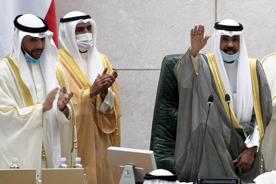 Новый эмир Кувейта Наваф аль-Ахмад ас-Сабах с 2006 года имел титул наследника престола.