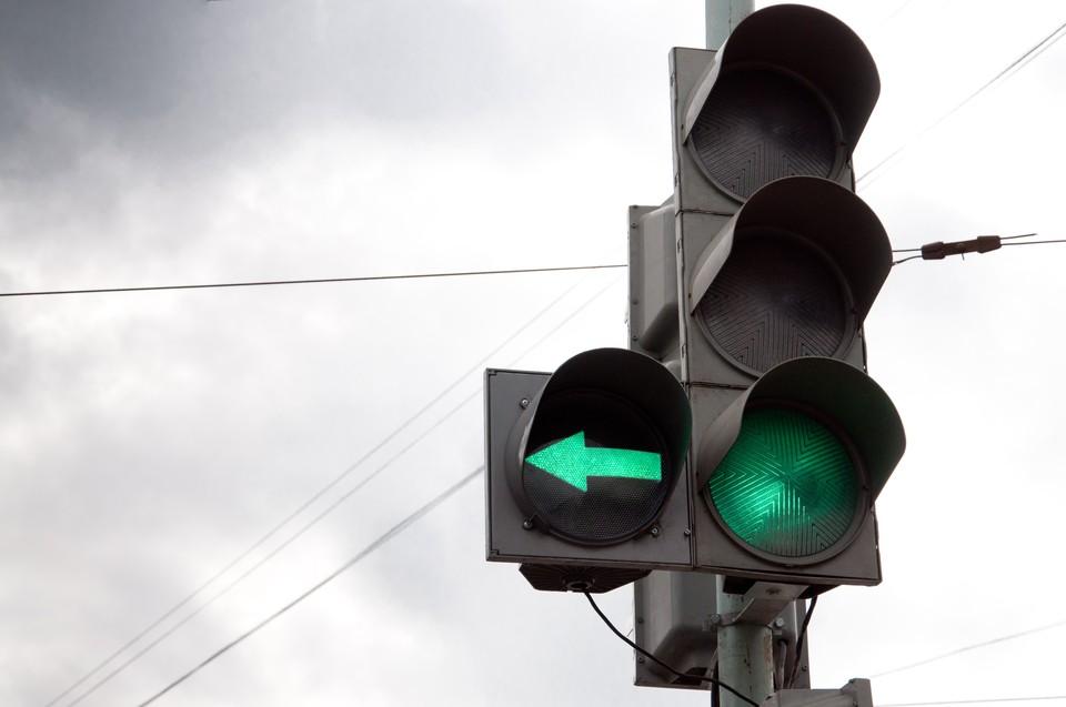 На перекрёстки 10 лет Октября и Удмуртской в Ижевске перестал работать светофор