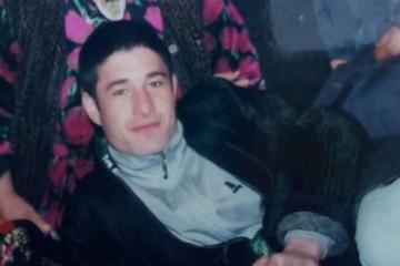 Иностранец 14 лет ищет брата, таинственно пропавшего в Сибири после смерти мамы