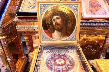В Вознесенский собор к его освящению прибыли древние святыни христианства
