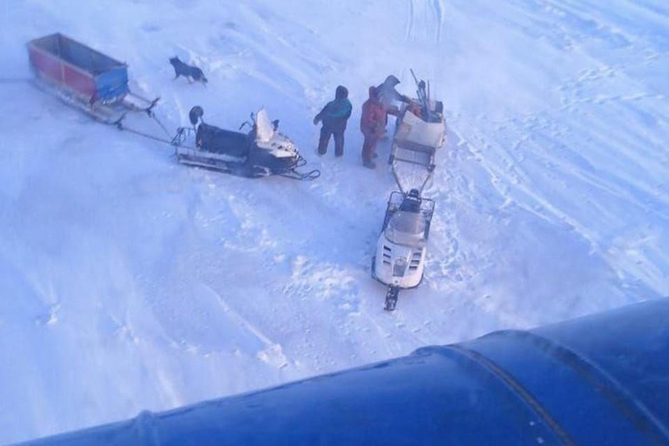 На Таймыре откололась льдина с тремя рыбаками. Фото: ГУ МЧС России по Красноярскому краю