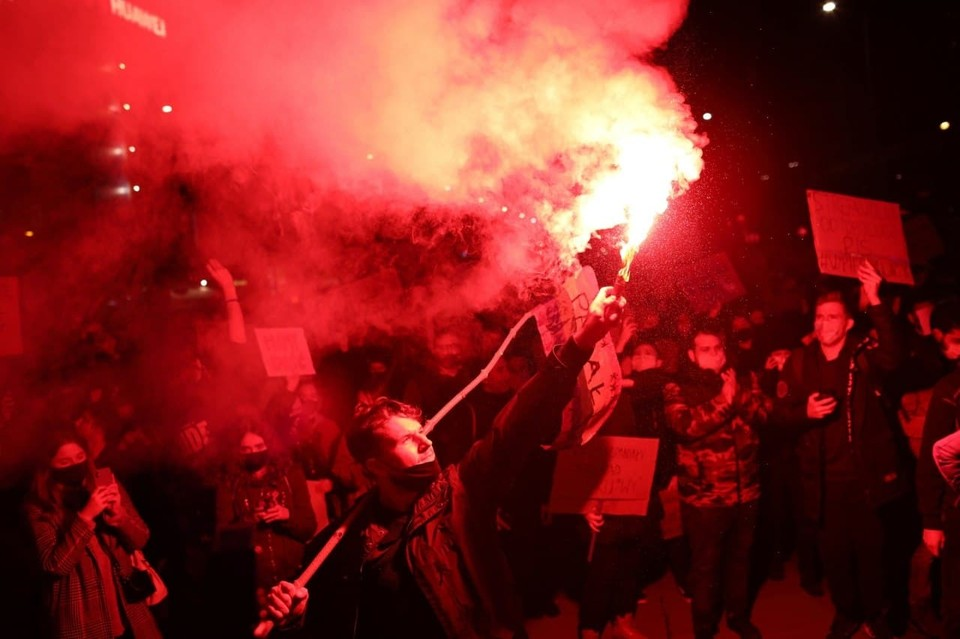 В Варшаве проходят массовые протесты из-за запрета абортов