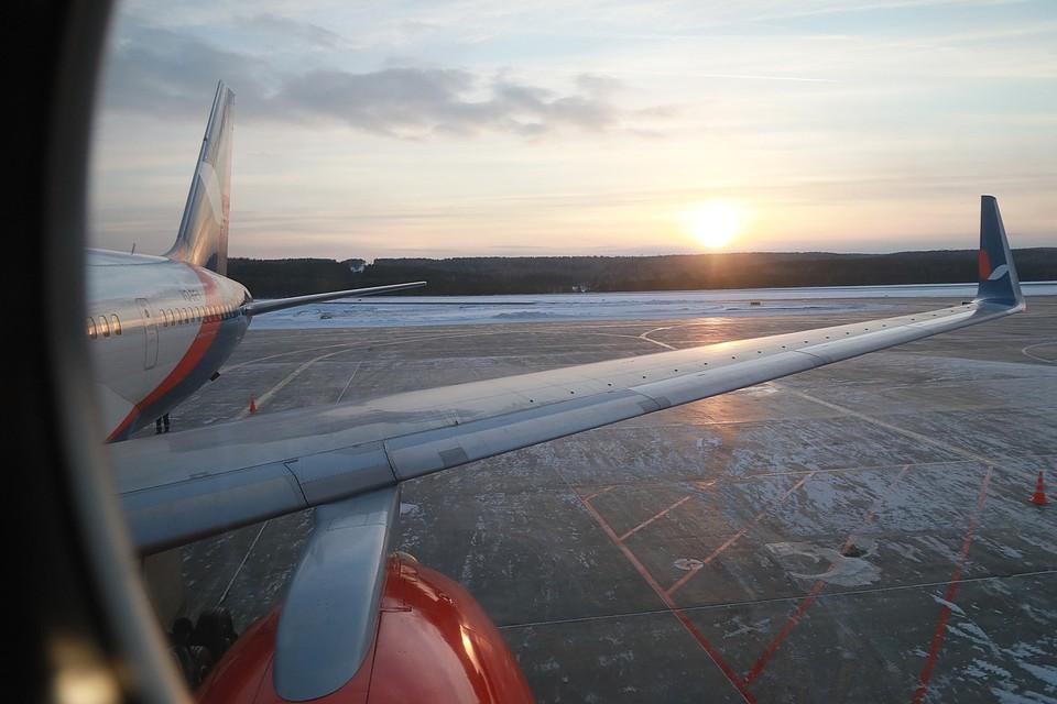 Житель Красноярска опоздал на самолет и устроил в кемеровском аэропорту истерику