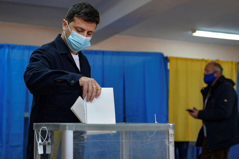 После неудачных выборов Зеленский решил устроить на Украине государственный переворот