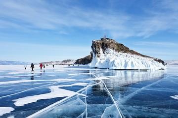 Некоторые любят похолоднее: Среди популярных маршрутов на Новый год — Сибирь, Байкал и Заполярье