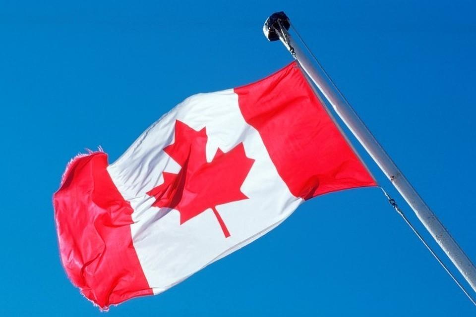 В Канаде мужчина напал на людей у здания парламента: два человека погибли