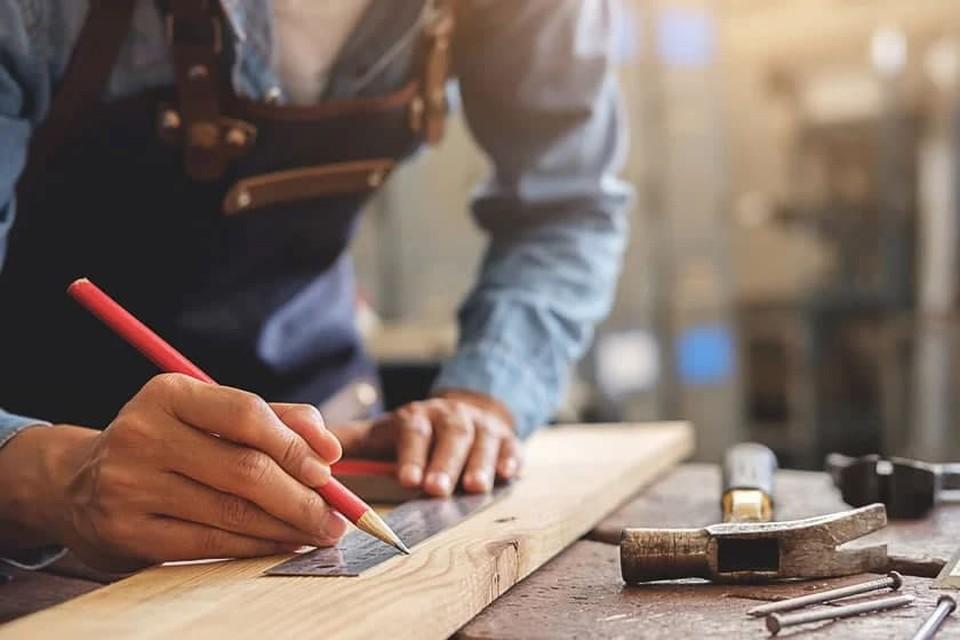 Профессия плотник: любовь к ручному труду помогает в творческом деле