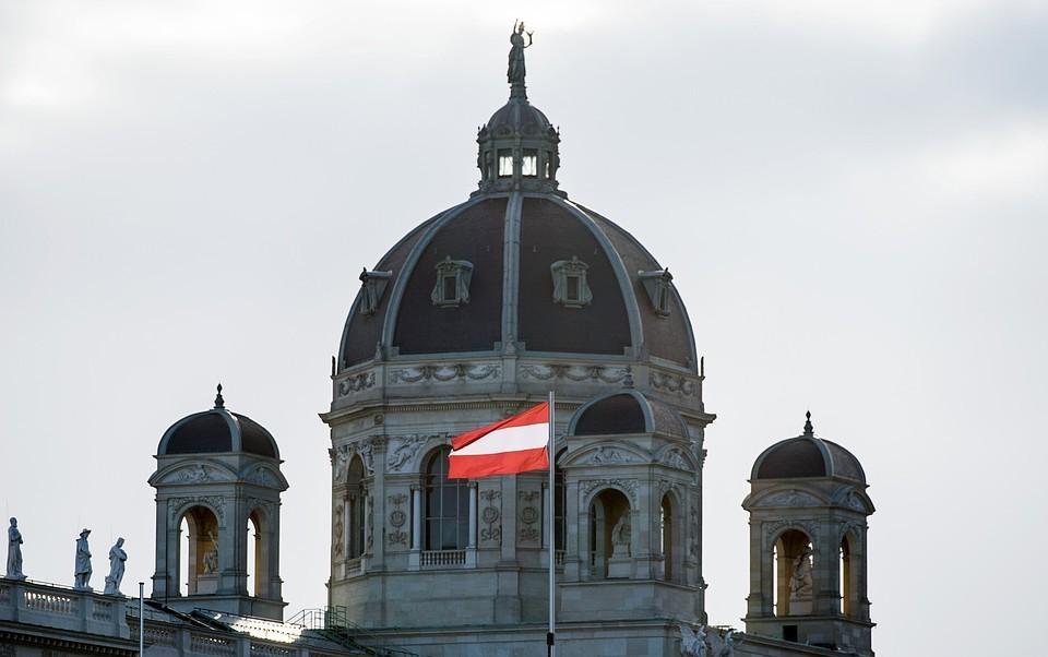 Австрия объявляет полный локдаун из-за коронавируса