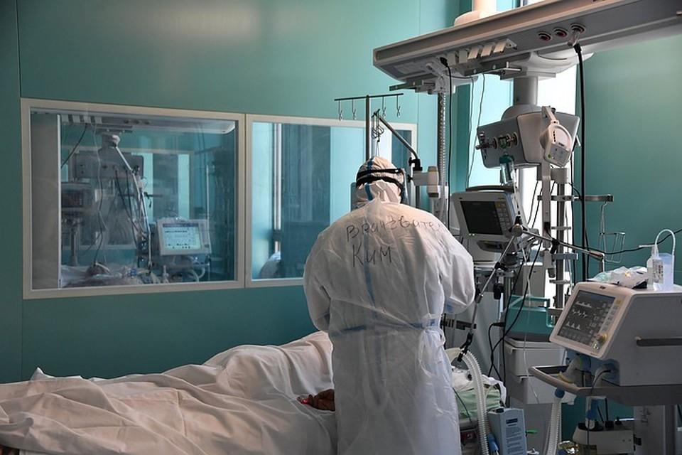 При заболевании COVID-19 «отдельные механизмы иммунной системы чрезмерно активируются», пояснил врач