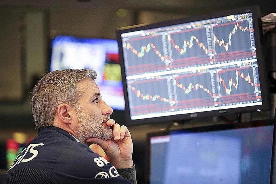 Аналитики спрогнозировали падение курса доллара на 20%