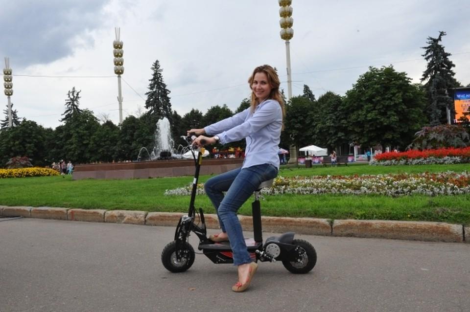 В России предложили ограничить скорость самокатов до 20 км/ч