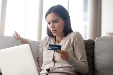 Не панацея: финансист оценил предложение блокировать сомнительные переводы по картам на 25 дней