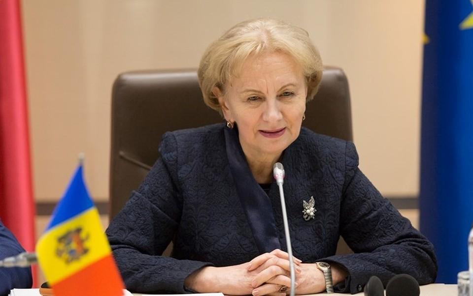 Зинаида Гречаный выразила надежду, что депутаты отнесутся с большой ответственностью к утверждению проектов, которые ждут граждане. Фото:соцсети
