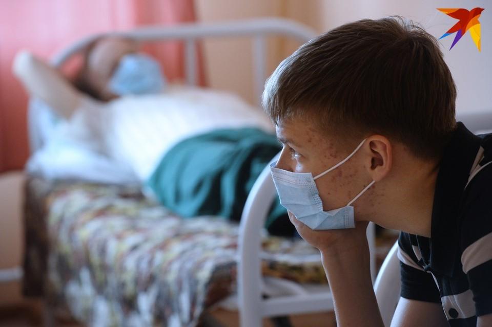 Сколько времени переболевший коронавирусом еще заразен для других?