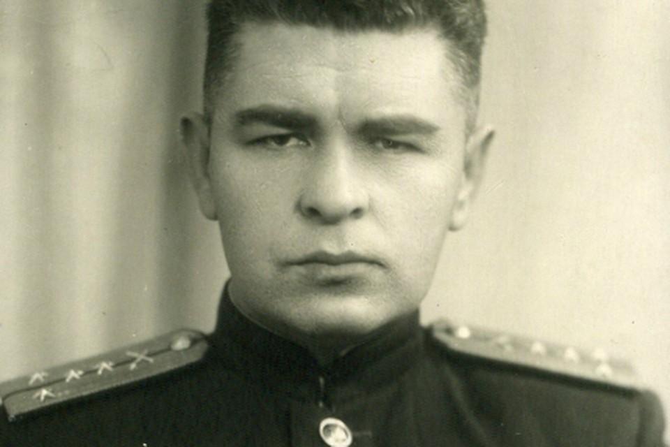 Виктор Харченко начал войну на Юго-Западном фронте, а затем сражался на Ленинградском, пытаясь прорвать кольцо блокады.