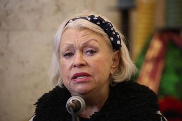 """""""Мне необходим отдых"""": мечтавшая о пенсии в 150 тысяч вдова Караченцова отправляется в Дубай"""