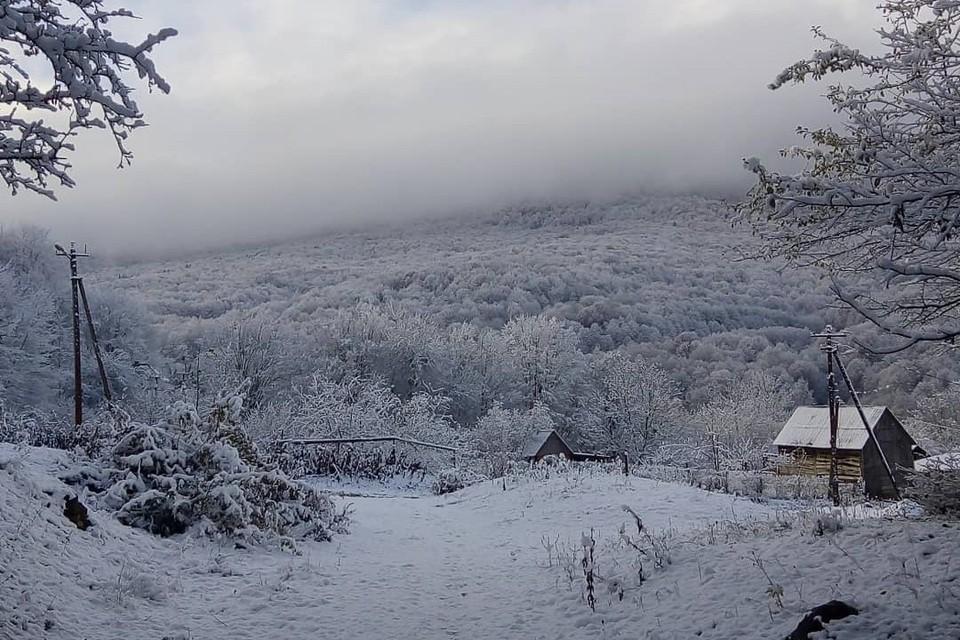 Первый снег в Мезмае Фото: instagram.com/nikolaymezmay