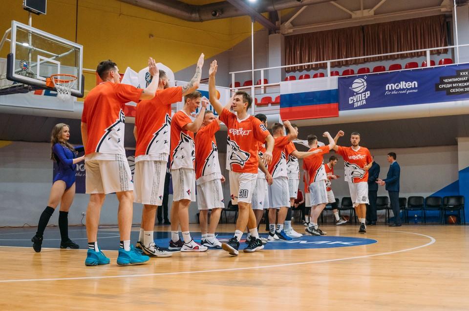 """Челябинские баскетболисты выиграли у """"Нефтехимика"""" с разницей в четыре очка. Фото БК """"Челбаскет""""."""