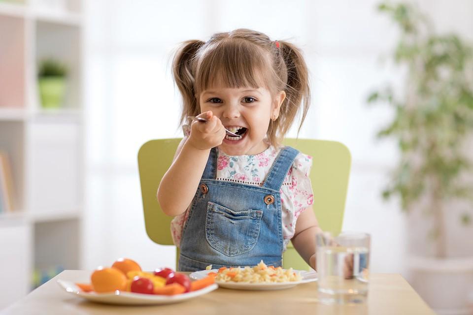 Приобщение детей к правильному питанию в семье и школе – один из факторов сохранения здоровья подрастающего поколения.