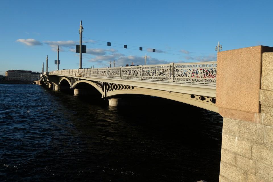 Благовещенскому мосту исполнилось 170 лет.
