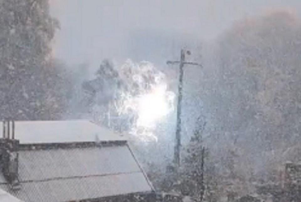 Линии электропередач оборвало от снега в одном из районов края