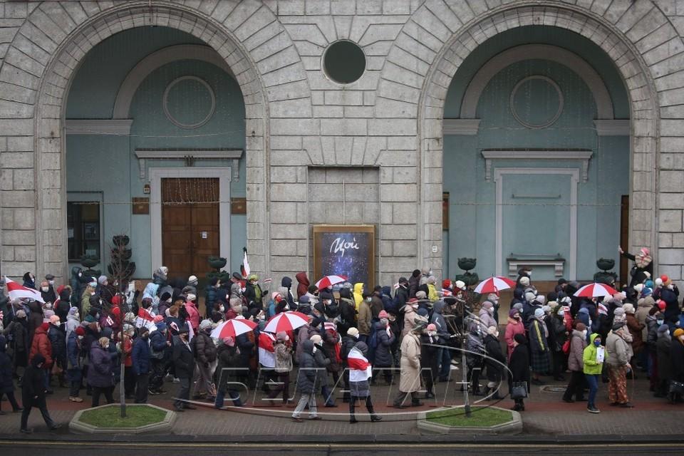 На традиционный марш вышли сотни человек. Фото: БелаПАН