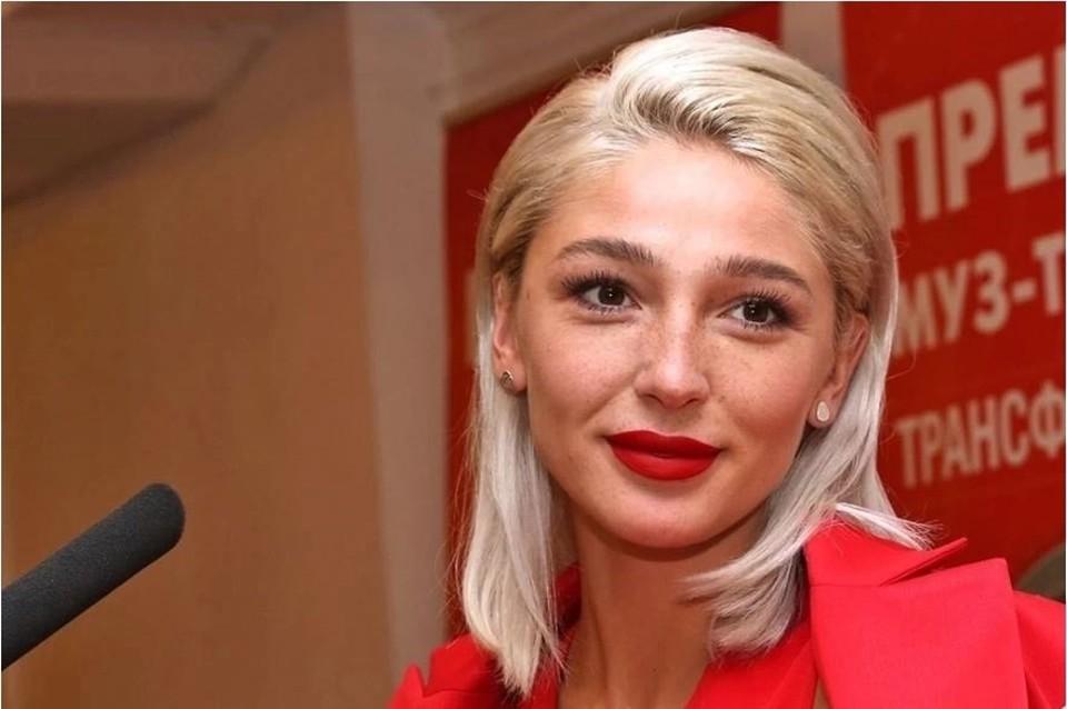 Настя Ивлеева шокировала поклонников новым образом и намекнула на перемены в личной жизни